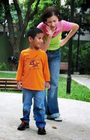 Los cuentacuentos de la La Rana Encantada promueven la lectura en niños y jóvenes