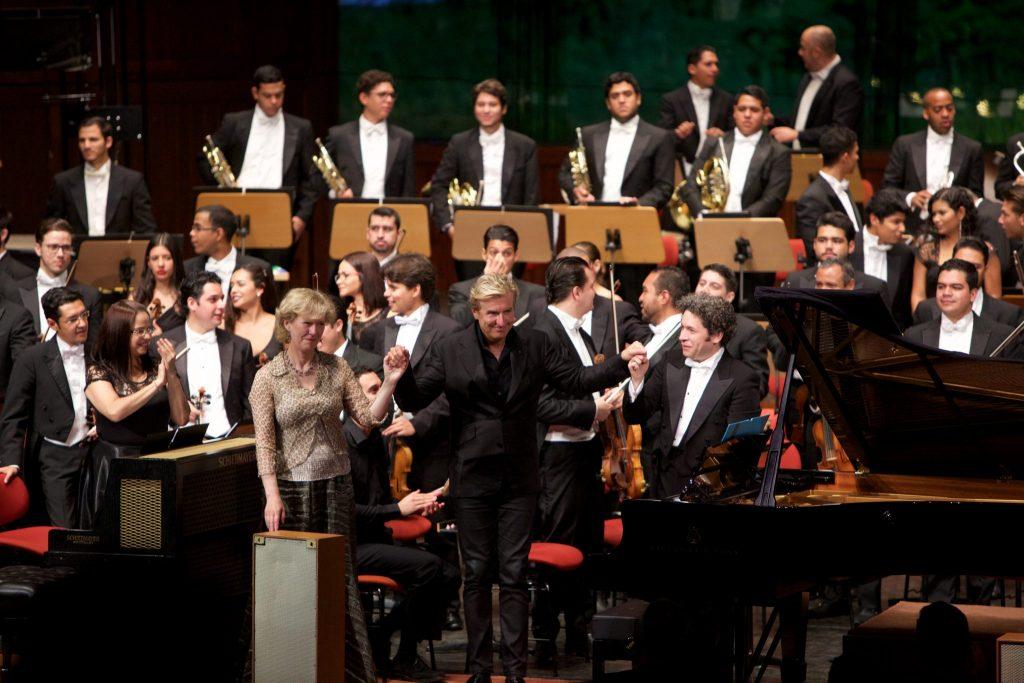 Jean-Yves Thibaudet, Cynthia Millar y Gustavo Dudamel