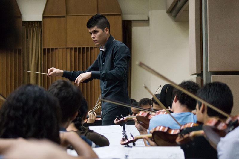 Manuel Jurado Está Entre Los Finalistas Del Concurso Internacional De Dirección Orquestal