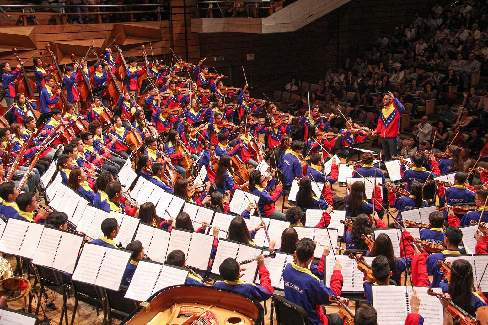 La Orquesta Nacional Juvenil De Venezuela Debutó Con éxito En La Sala Simón Bolívar