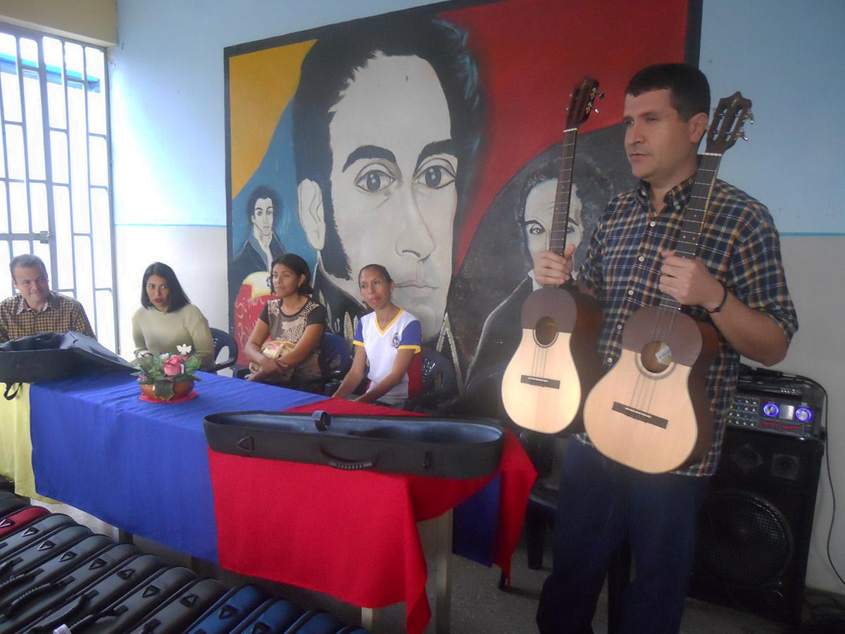 El Programa Simón Bolívar Hizo Nueva Dotación De Instrumentos En Guárico