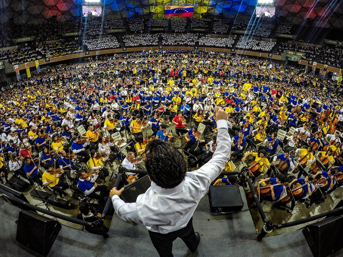 Homenaje de más de 11 mil músicos rindieron a el maestro Abreu en el Poliedro de Caracas