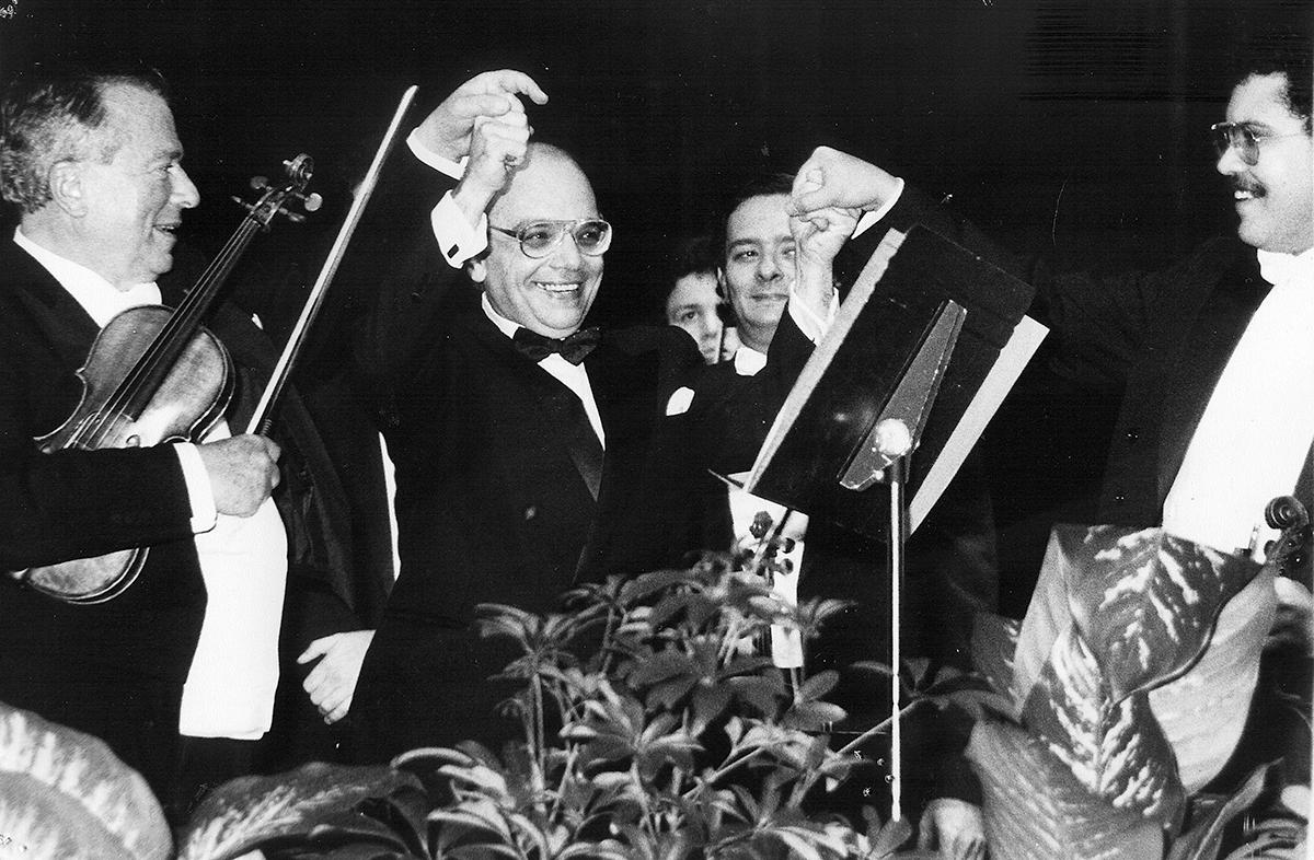 El Maestro José Antonio Abreu Anselmi fundó el Sistema Nacional de Orquestas y Coros Juveniles e Infantiles de Venezuela en 1975