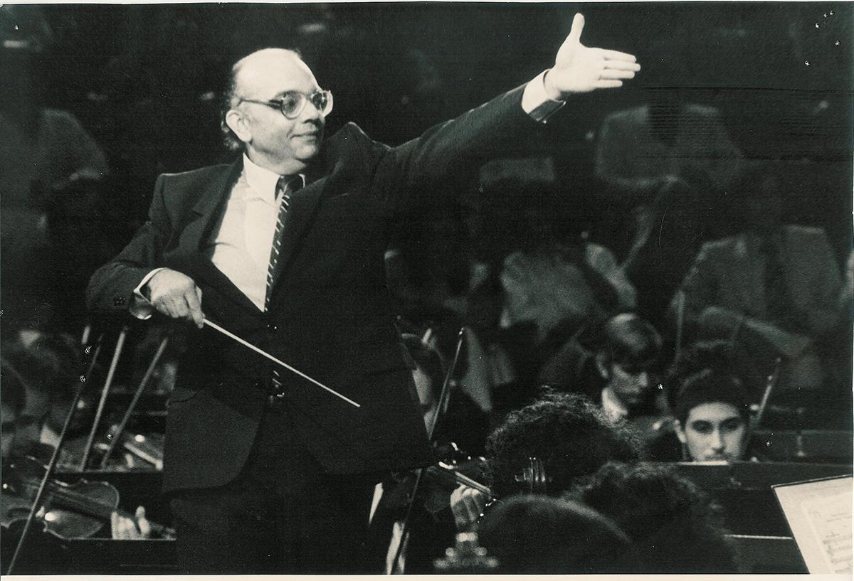 La 4ta. De Tchaikovsky Dirigida Por El Maestro José Antonio Abreu Llega A Nuestra Sala Virtual