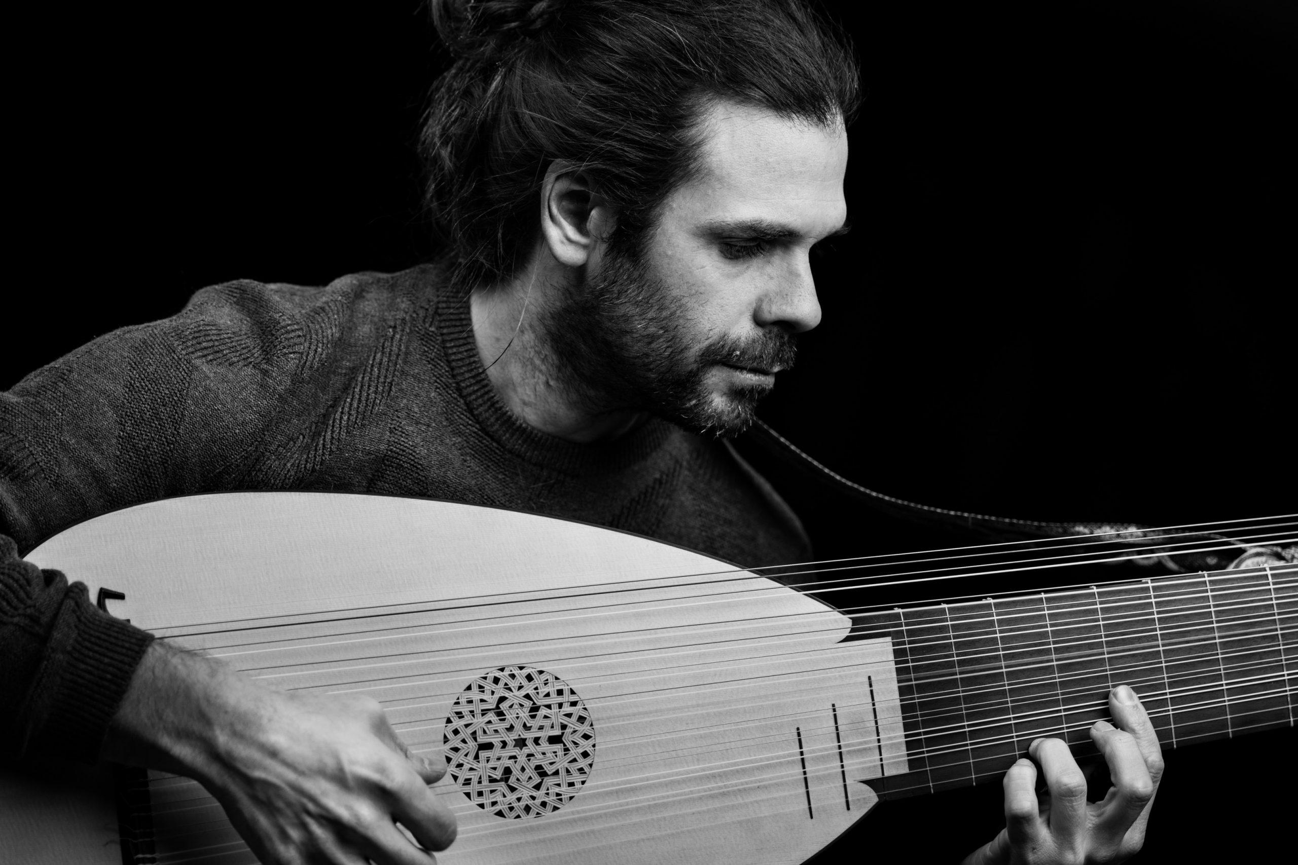 Miguel-Rincón-Rodriguez_GUITAR_PHOTO