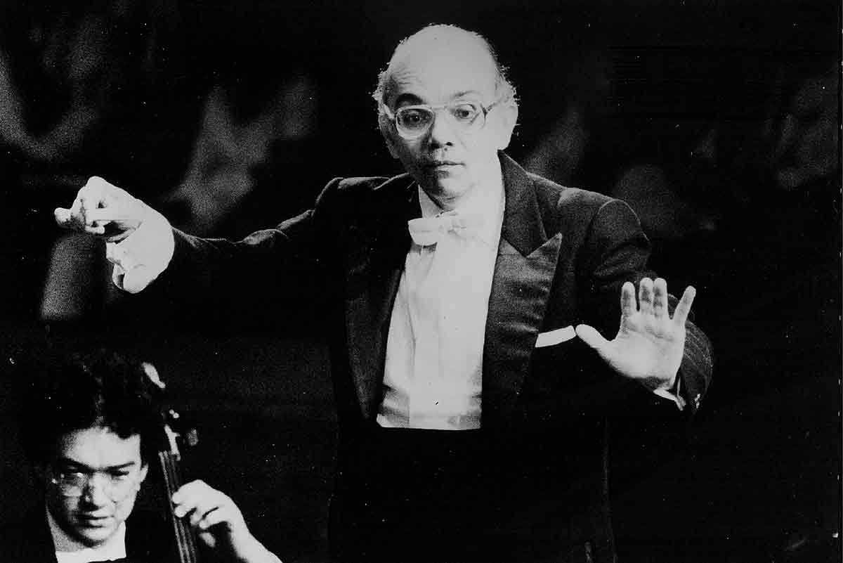 Con Un Concierto De 1988, Dirigido Por El Maestro Abreu, Conmemoramos Su Natalicio